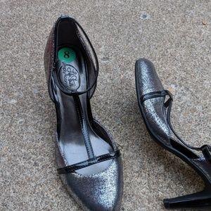 Life Stride Black & Silver Strappy Heels Size 8M